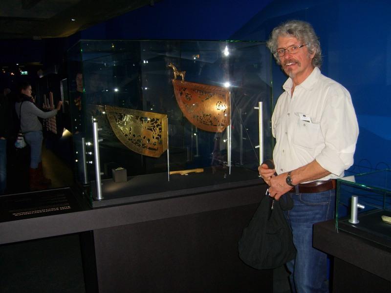 Im Jahr 2016 stellte ich zwei meiner Wetterfahren (Replikate der deutschlandweit größten Wikingerausstellung in Rosenheim mit Exponaten aus Norwegen Schweden und Dänemark auls Leihgabe zur Verfügung